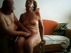 Masturbating my old slut untill she has orgasm. Amateur