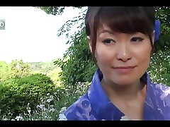 38yr old Hitomi Ookubo loves Fucking Outside (Uncensored)